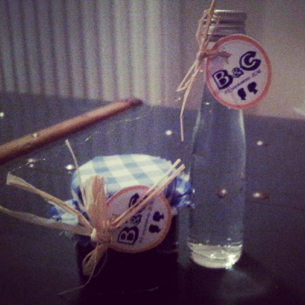 cadeaux invités mariage pot confiture bouteille eau de vie