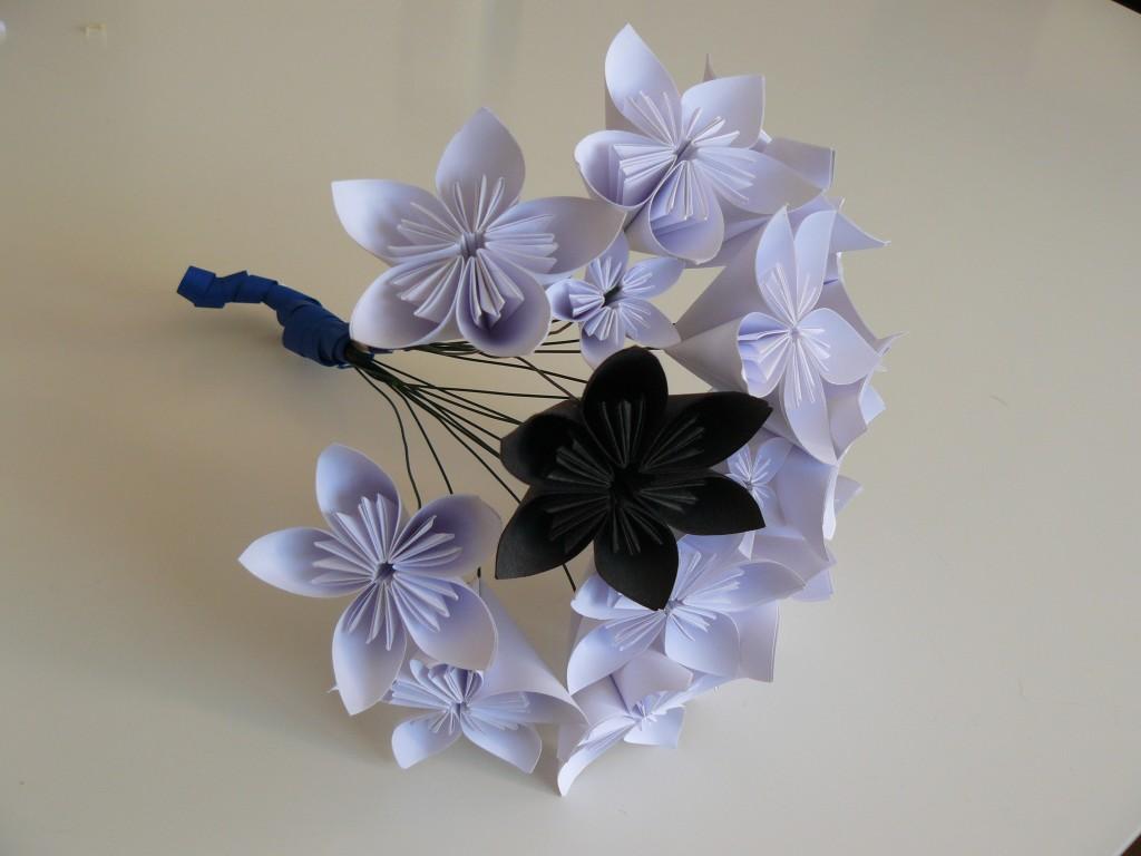Bouquet de mariée en fleurs de papier origami