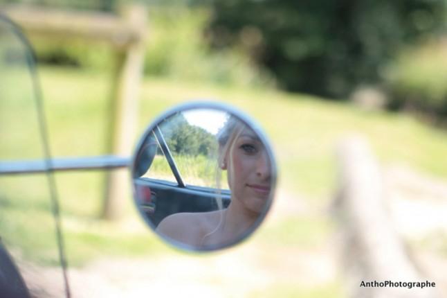 mariage rose champetre mariée voiture