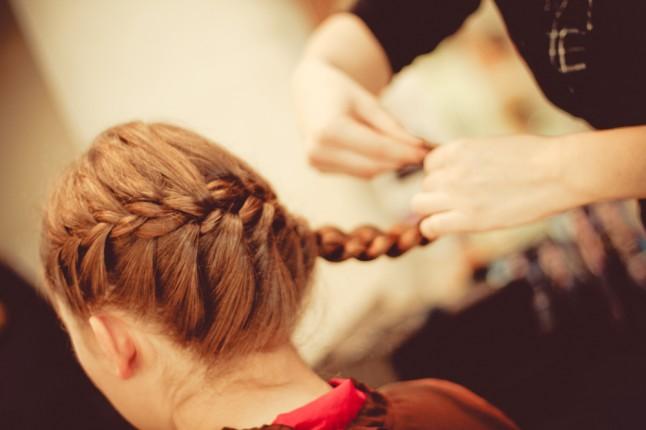 séance coiffure - la tresse