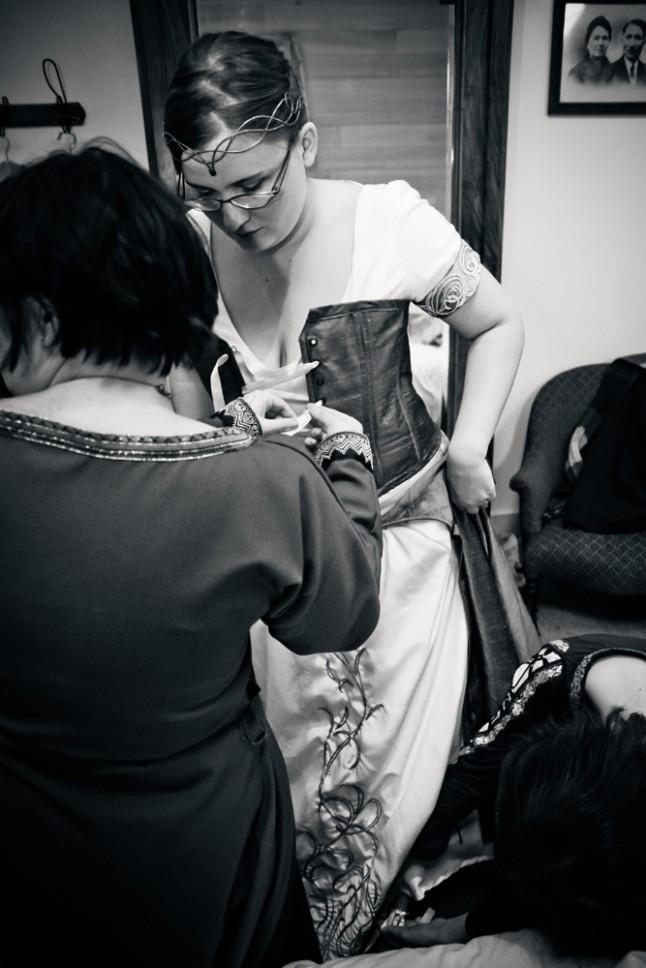 corset : laçage avant (et enfillage de chaussures !)