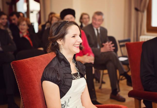 sourire mariée à la mairie