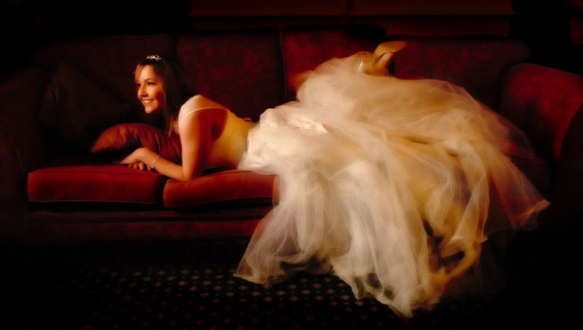 mariée allongée