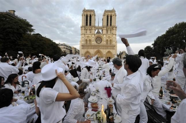 Dîner en blanc Notre-Dame
