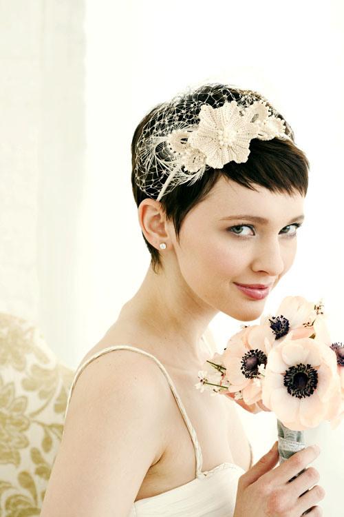 mariée aux cheveux courts headband
