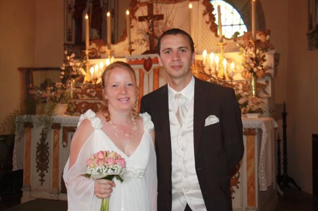 mariage rose et gris église