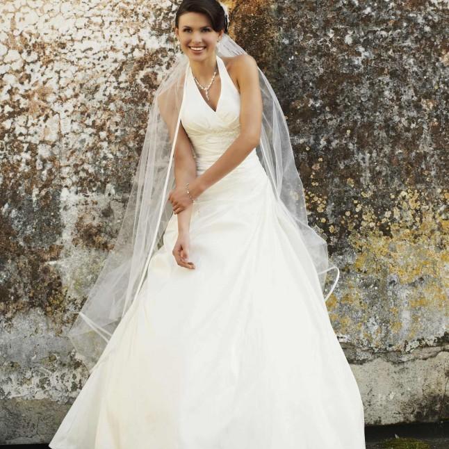 c27179900af86 Chez Instant Précieux, ta robe de mariée de qualité à prix discount ...