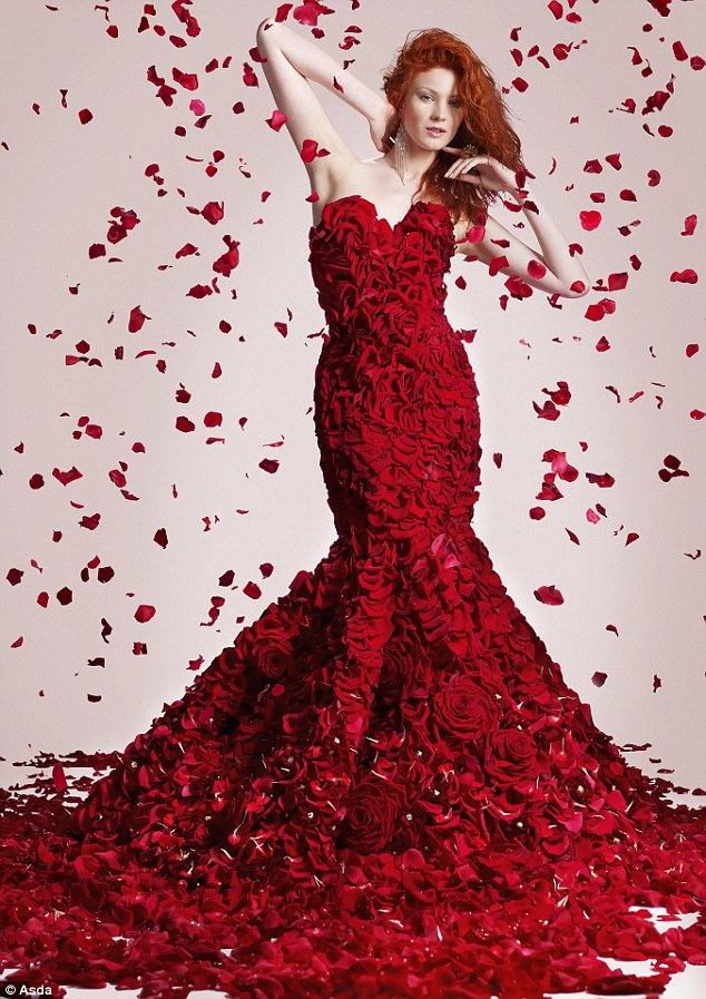 robe en roses rouges