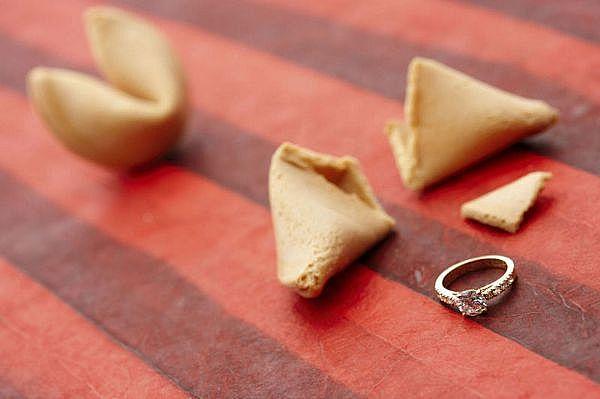 fortune cookie bague de fiançailles