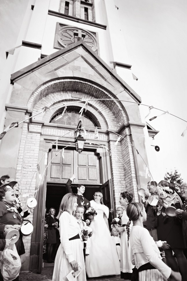 sortie des mariés, haie d'honneur scoute