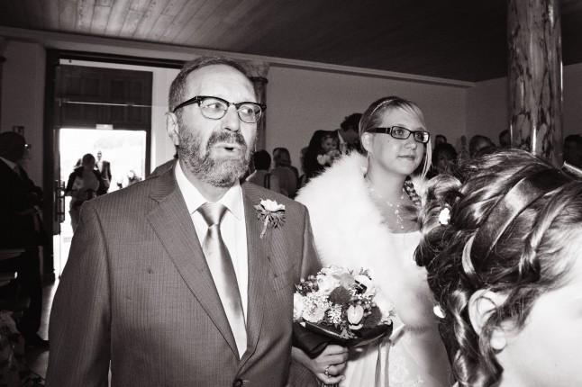 entrée église mariée au bras de son père