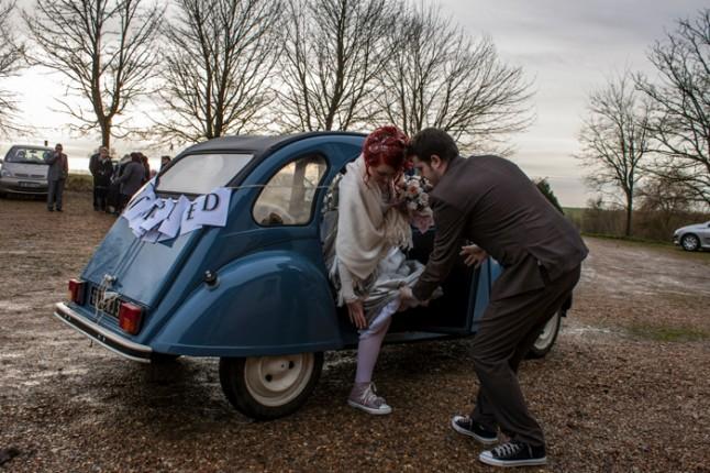 mariage neige chateau mariée rousse sortie voiture