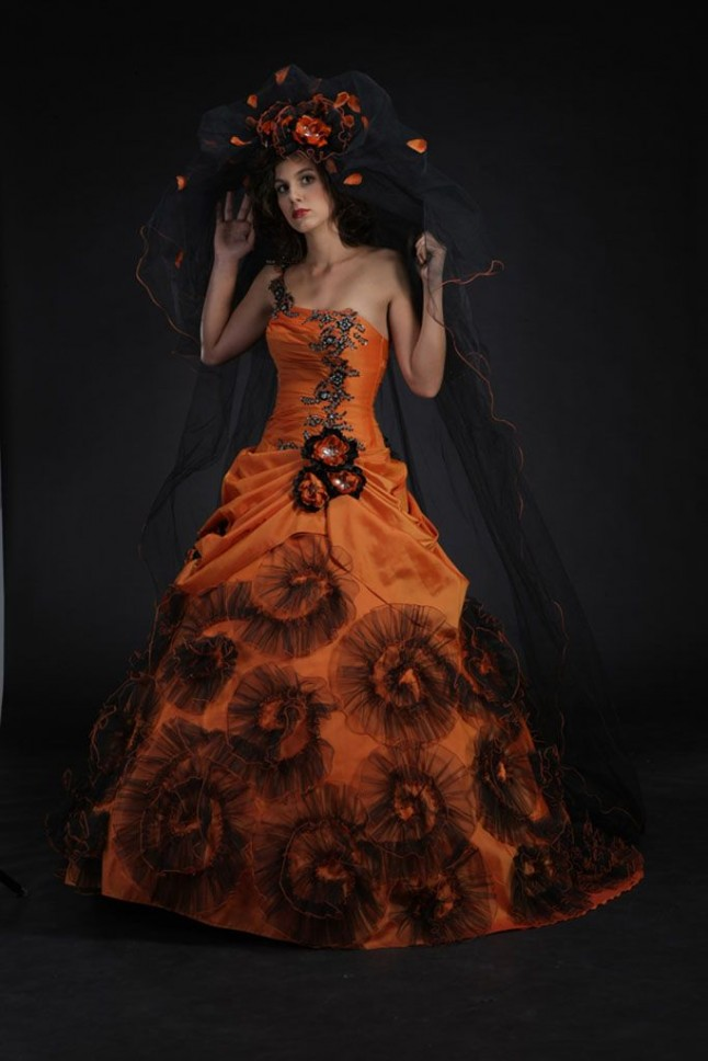 Robe de mariee de couleur orange