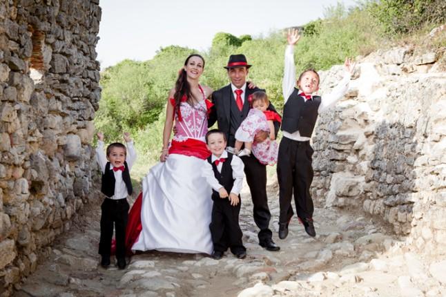mariage rouge et noir photo famille