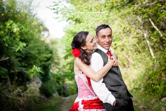 mariage rouge et noir photos couple
