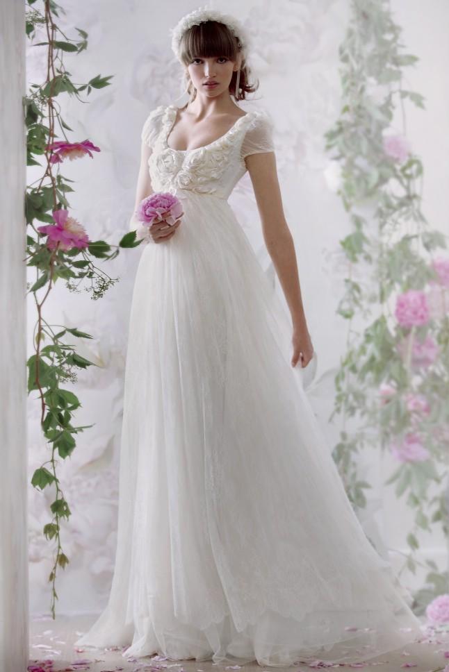 Robe de mariee empire avec manche