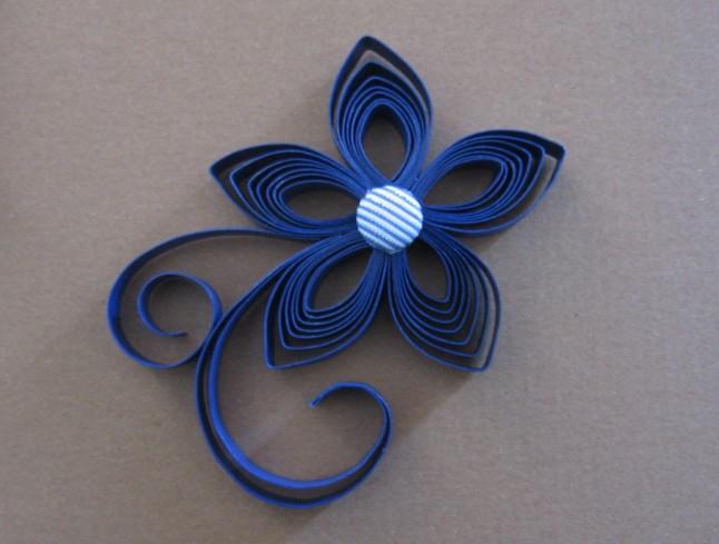 fleur en papier pour cheveux
