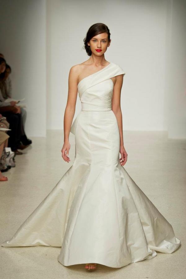 Coiffure robe bustier mariage