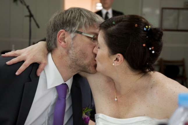 bisou mariés