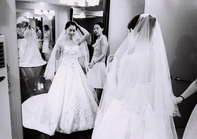 essayages de robes de mariée