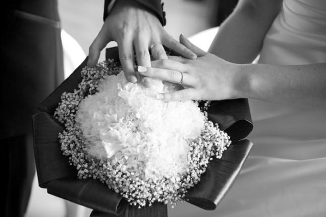 mariage hiver jeux vidéos en région lyonnaise - bouquet et alliances