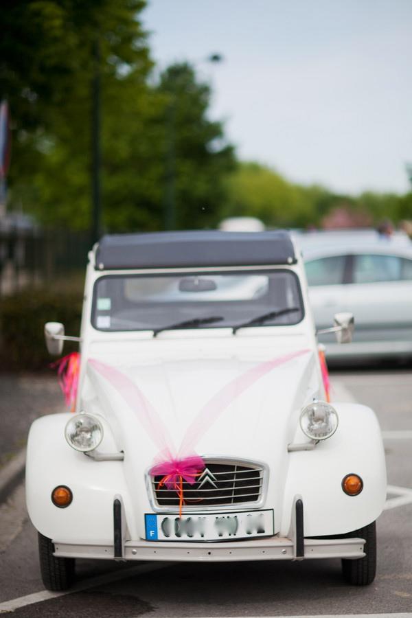 voiture des mariés 2CV