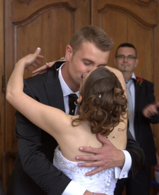 Vous pouvez embrasser la mariée !