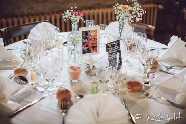 mariage Beaujolais déco table cadeaux invités huiles de massages
