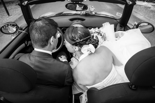 mariés voiture mariage landais