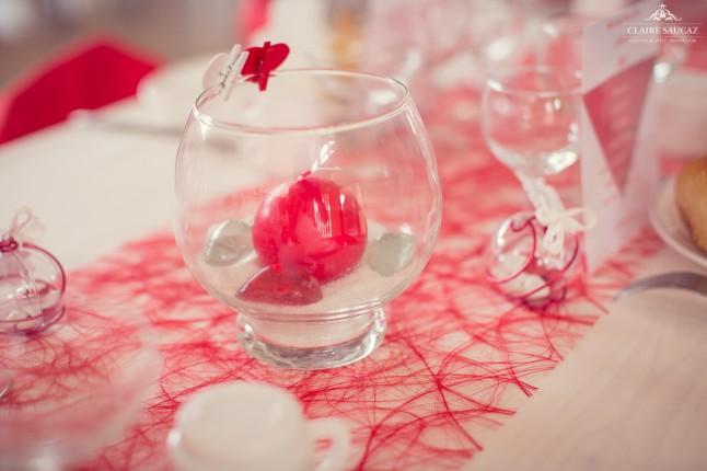 déco de table rouge et blanc mariage landais
