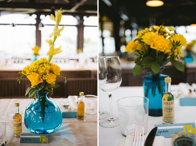 décoration de table bleu et jaune, cadeaux d'invités
