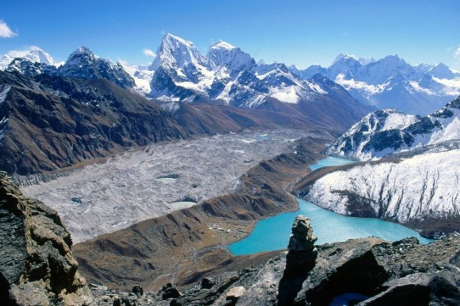 Gokyo-Lakes-and-Ama-Dablam-Khumbu-Region-Nepal