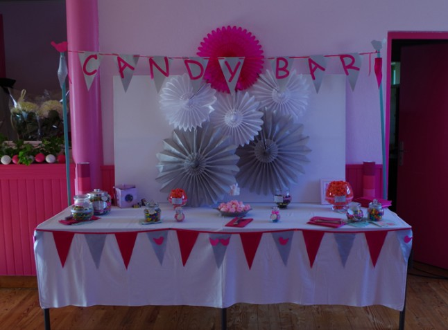 déco candy bar mariage blanc et rose