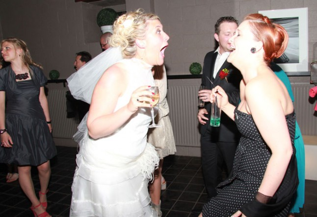 soirée mariage rires