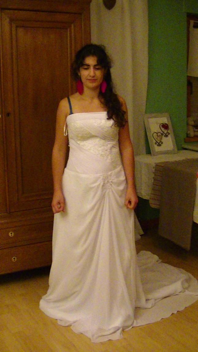 Essayage robe de mariée d'occasion