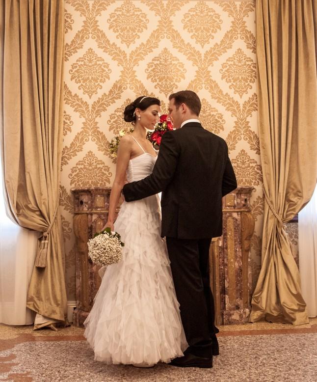 Mariage civil à Venise la découverte des mariés émotion
