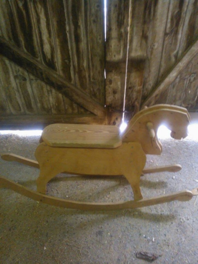Décoration mariage cheval de bois