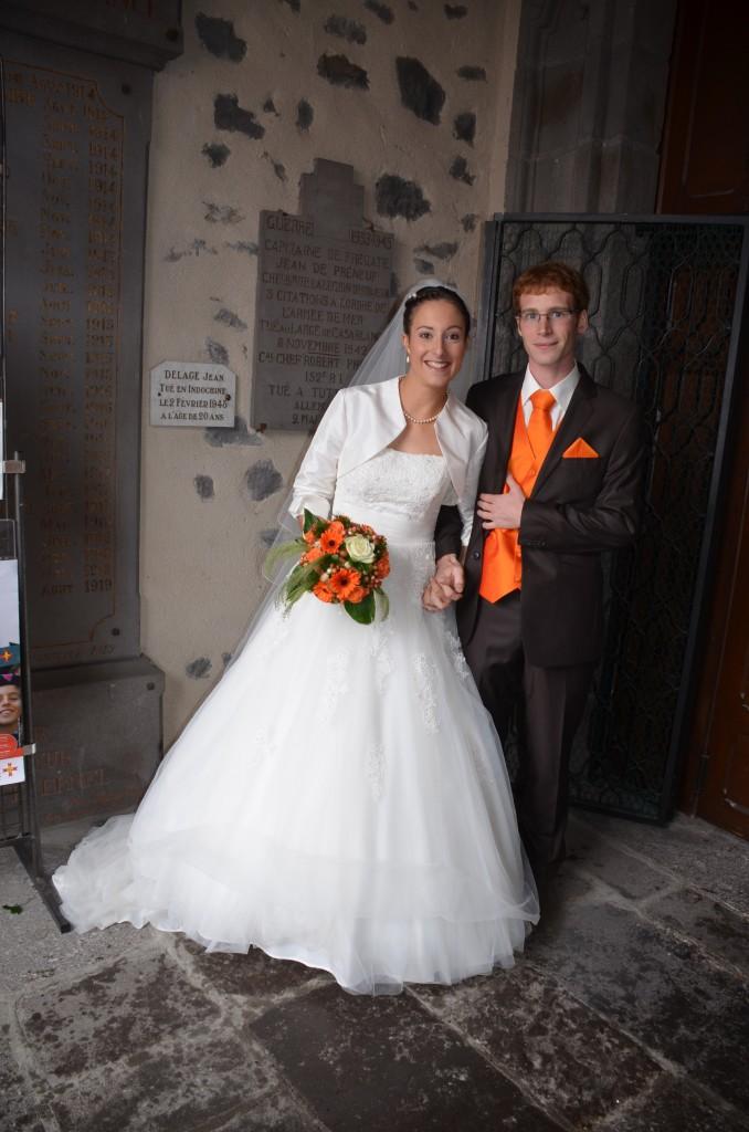 Jeunes mariés église