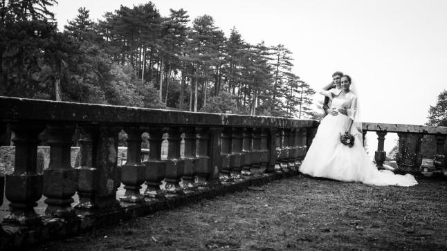 Photos couple jeunes mariés automne