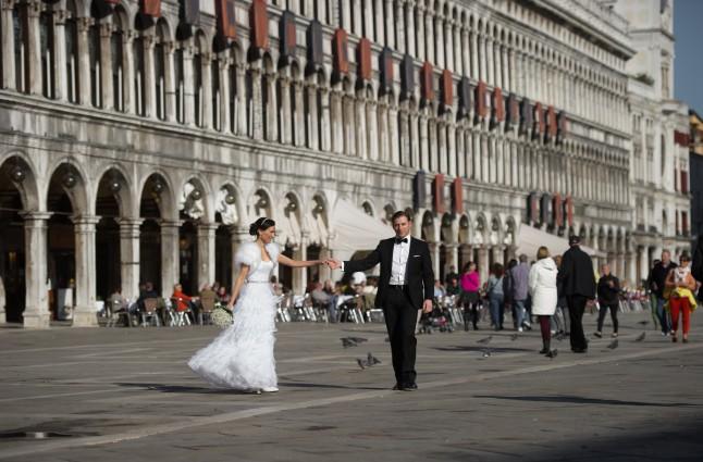 photos de couple mariage à Venise sur la Place Saint Marc