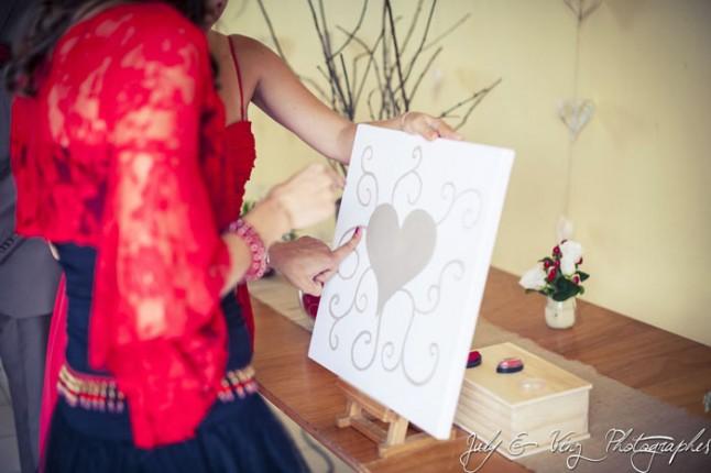 mariage en rouge arbre à empreintes coeur