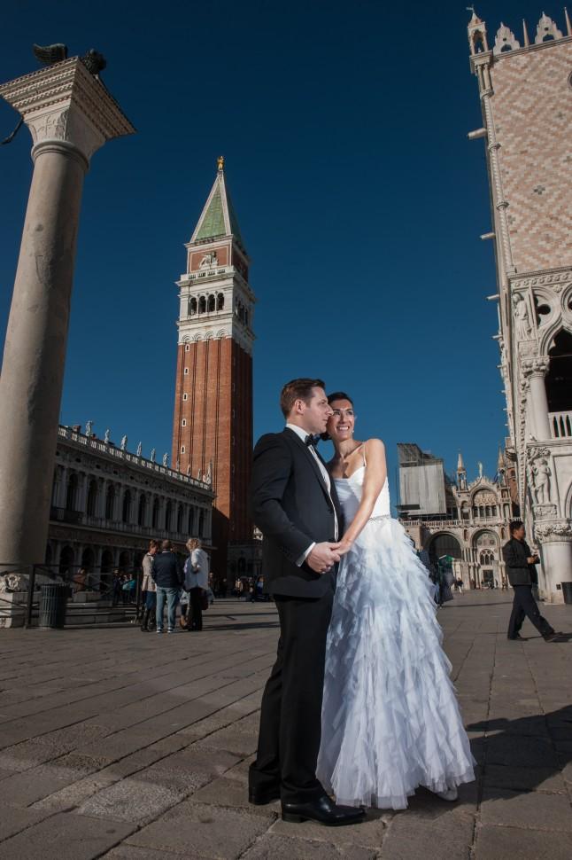 Photos de couple mariage à Venise devant le Campanile