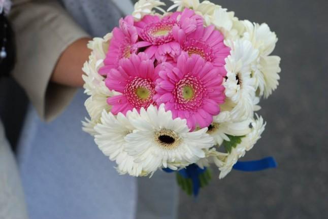 bouquet de mariée germinis roses de blanches