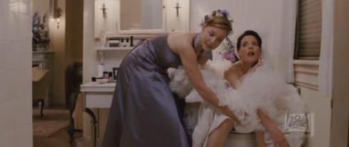 Film mariage 27 robes scène des toilettes