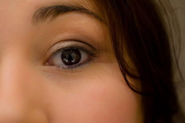 Maquillage des yeux mariée DIY