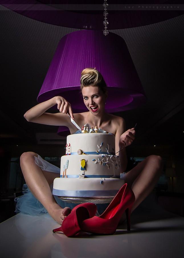 wedding-cake thème Alice au Pays des Merveilles