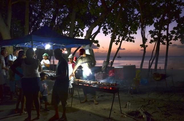 Coucher de soleil voyage de noce aux Seychelles