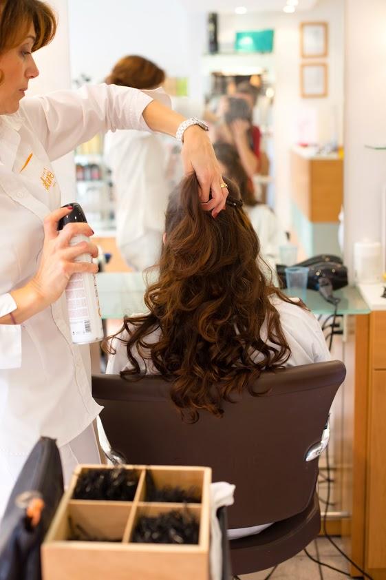 Coiffure de mariée cheveux semi-lâchés
