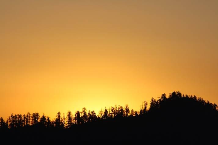 coucher de soleil voyage de noce au Népal