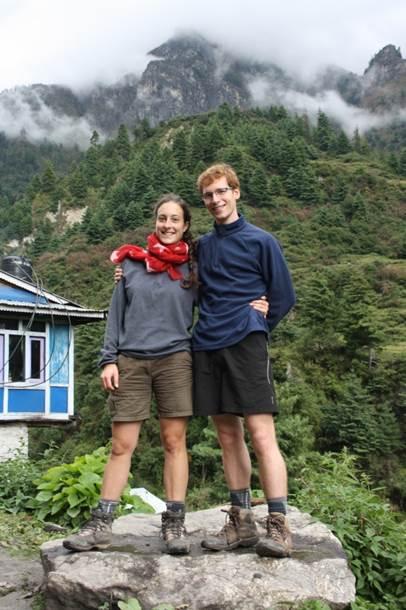 jeunes mariés en voyage de noce au Népal